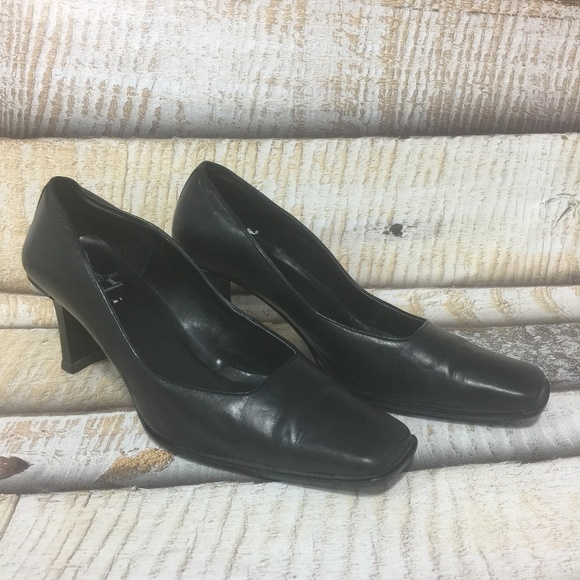 Calvin Klein Collection Patent Leather Square-Toe Pumps clearance excellent cheap sale tumblr pick a best cheap price 7MjSlK8i